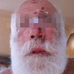 """""""Retourne en Laponie, le barbu !"""" : Père Noël victime d'une agression raciste"""