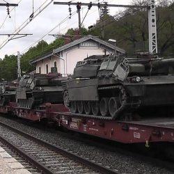 Macron attendu en Corse : 250 chars d'assaut mobilisés