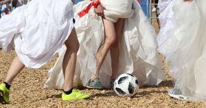 Pour plaire à Finkielkraut, l'équipe féminine de football jouera en robe