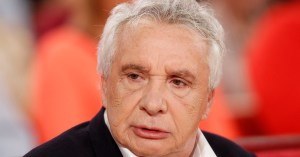 Canicule : Michel Sardou annule sa tournée des Ehpad