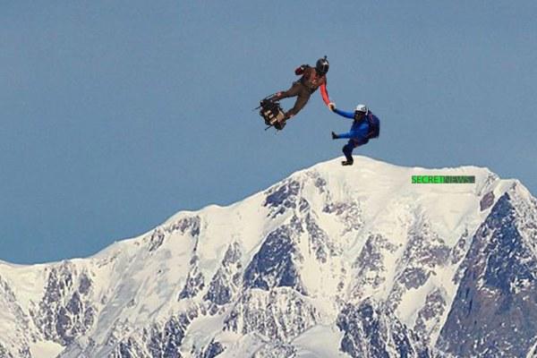 Franky Zapata rattrape de justesse Eric Woerth après sa chute du Mont blanc