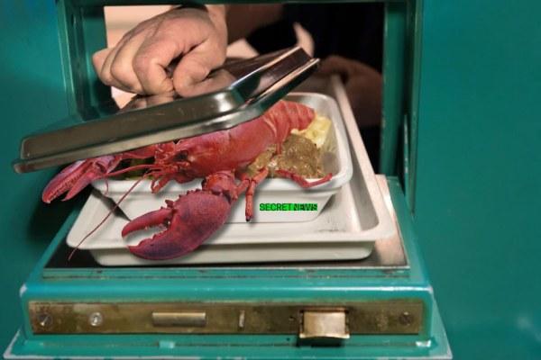 Pour son premier repas en prison, Patrick Balkany a mangé du homard