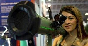 Zineb El Rhazoui met fin au trafic de drogue en tirant au bazooka sur les dealers