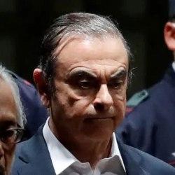 """Carlos Ghosn sera le méchant du 25ème James Bond : """"houmous ne meurt jamais"""""""