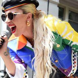 USA : il porte plainte contre Lady Gaga et l'accuse de l'avoir rendu homosexuel