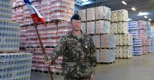 La réserve nationale de papier toilette protégée par l'armée