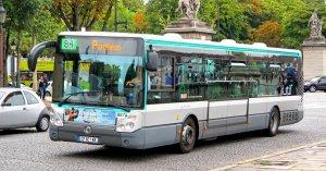 Apartheid sanitaire : les non-vaccinés doivent céder leur place dans les bus et métros