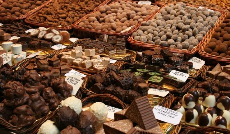 chocolates-656087_1920