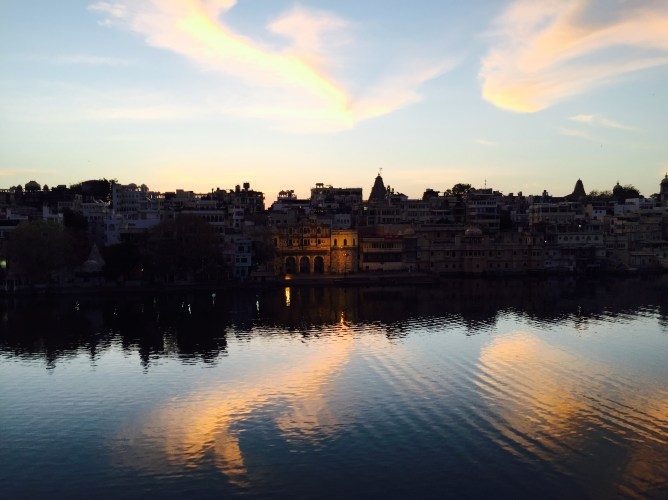 view from our hotel Thamla Haveli during sunrise