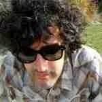 """Manu Ferrón: """"De hacer canciones, lo que más me divierte y me llena es escribir letras"""""""