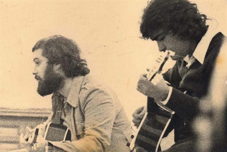 La memoria de los cantautores permanece