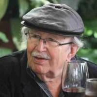 """Rafael Guillén: """"La poesía del siglo XXI no debe dar la espalda ni a la ciencia ni a la técnica"""""""