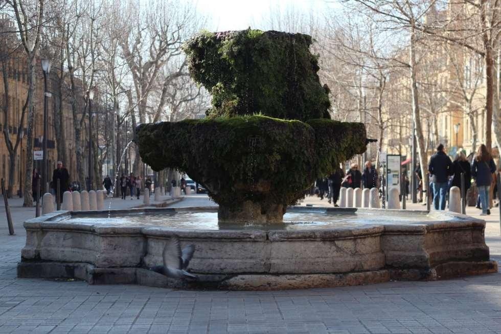 Le cours mirabeau, un des lieux incontournables d'Aix-en-Provence.
