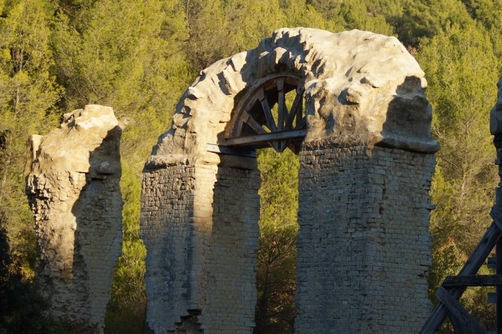 Aqueduc de la Traconnade près d'Aix-en-Provence.