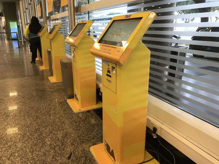 Taxi airport transfer screens