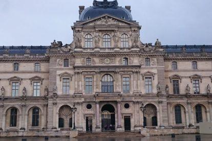 Louvre in the rain