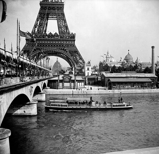 Old Seine barge