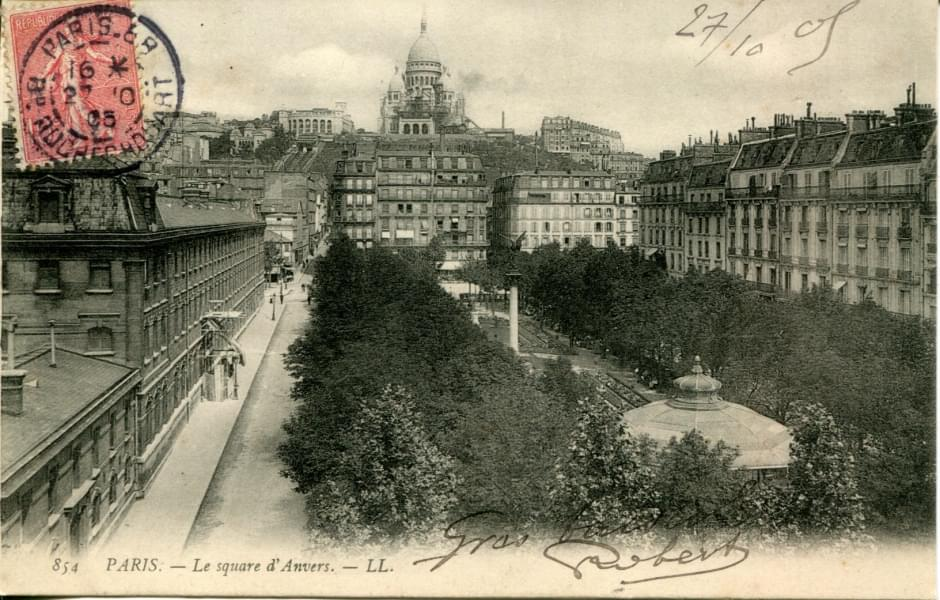 Historic postcard of Square d'Anvers