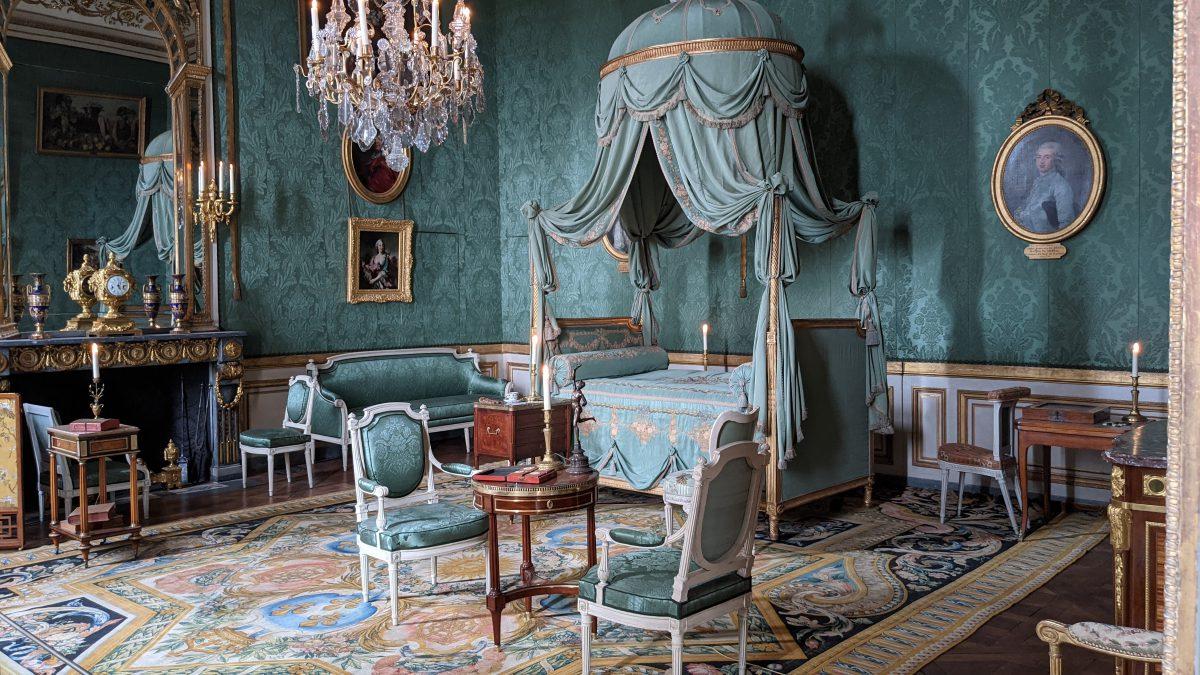 18th-century bedroom