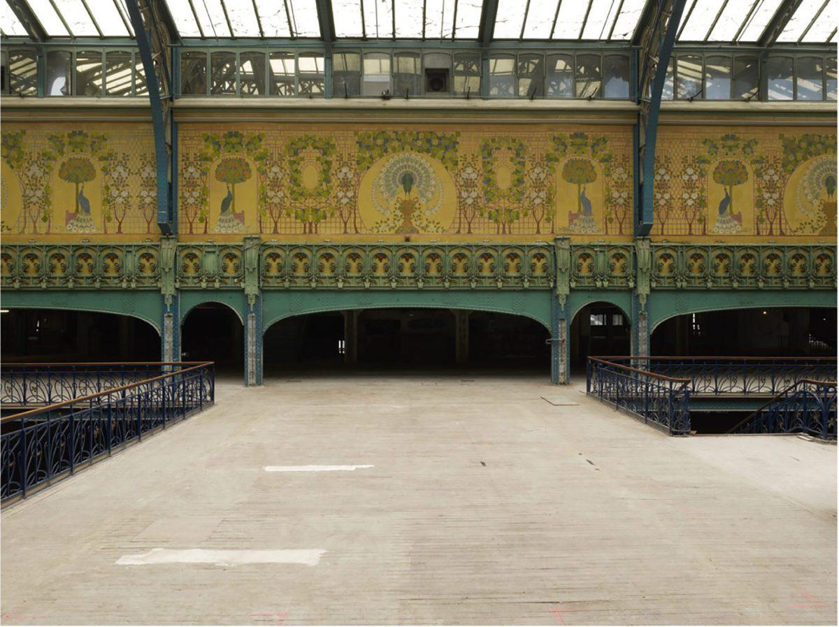 La Samaritaine's fresco and atrium before restoration.