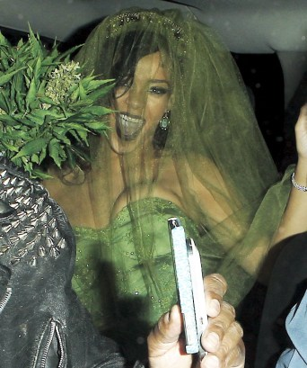 Rihanna - In Halloween Costume-02