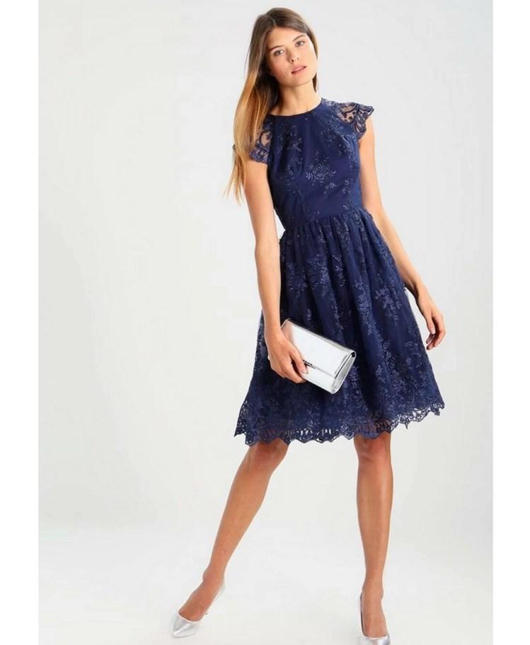 942220254be8f8 Strona główna / Sukienki / Glam / Chi Chi London Sukienka z Koronki  Granatowa
