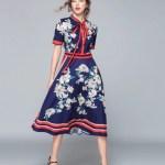 Sukienka Granatowa w Kwiaty z Krótkim Rękawem Midi