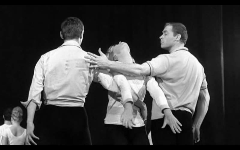 Nico dans Strip-tease de Jacques Poitrenaud