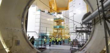 Lancé en 2004, le chantier du réacteur nucléaire de troisième génération finlandais, Olkiluoto 3, devait s'achever en 2009... On l'annonce désormais pour 2018. (MARTTI KAINULAINEN / LEHTIKUVA / AFP)