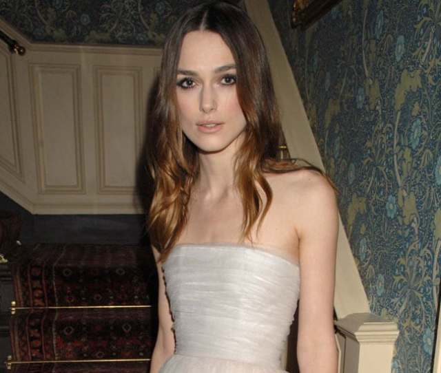 Keira Knightley Has Admitted To Kissing Her Best Friend At Her School Prom And She Isnt The Only Teen Girl To Do This Many Female Friends Confess To The