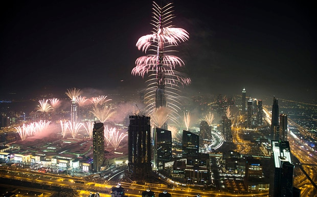 Video  New Year fireworks  Dubai welcomes in 2016   Telegraph Fireworks mark the beginning of the new year at the Burj Khalifa  Barcroft