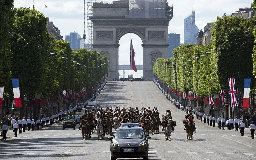 Paris To Close Champs Elysees To Cars One Sunday A Month