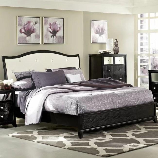 Woodhaven Hill Jacqueline Queen Panel Customizable Bedroom ...