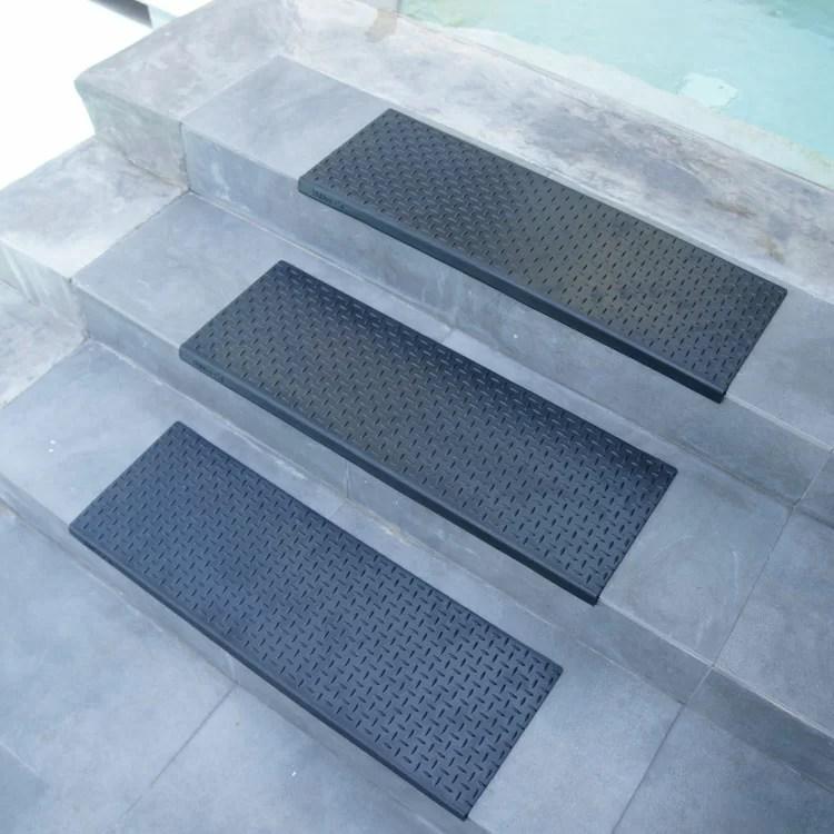 Rubber Cal Inc Diamond Plate Step Non Slip Rubber Stair Tread   Exterior Rubber Stair Treads   Self Adhesive   Commercial   Standard Length 48   Carpet Stair   Non Slip
