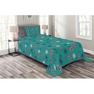 ensemble de couvre lit paisley ambesonne tres grand motif d inspiration tribal avec fleurs a l arriere plan et imprime floral a l interieur