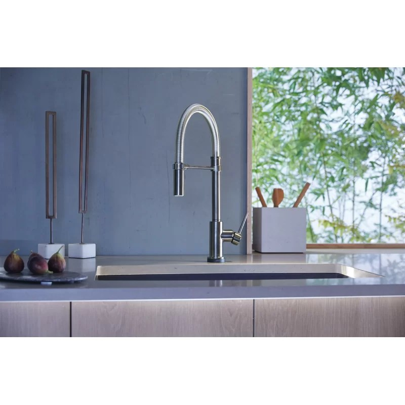 trinsic pro pull down touch single handle kitchen faucet with magnatite docking and touch2o technology