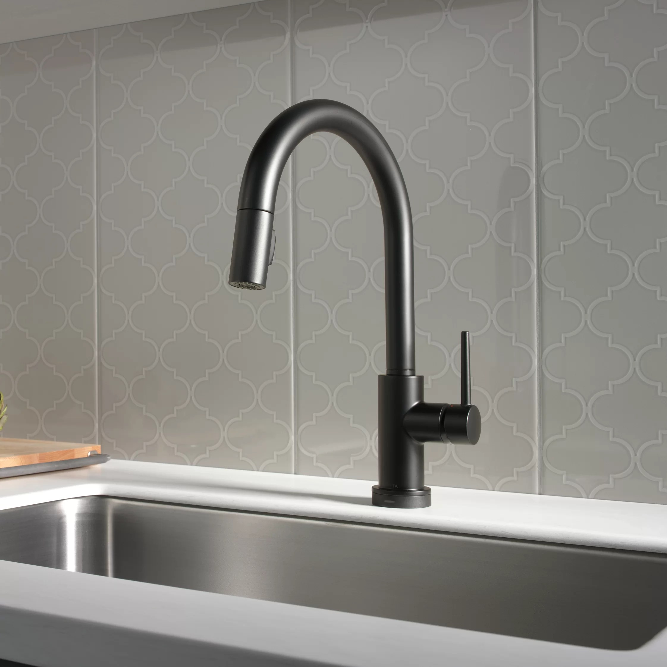trinsic pull down single handle kitchen faucet with magnatite and diamond seal technology