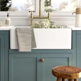 desalvo 33 l x 20 w farmhouse kitchen sink with basket strainer