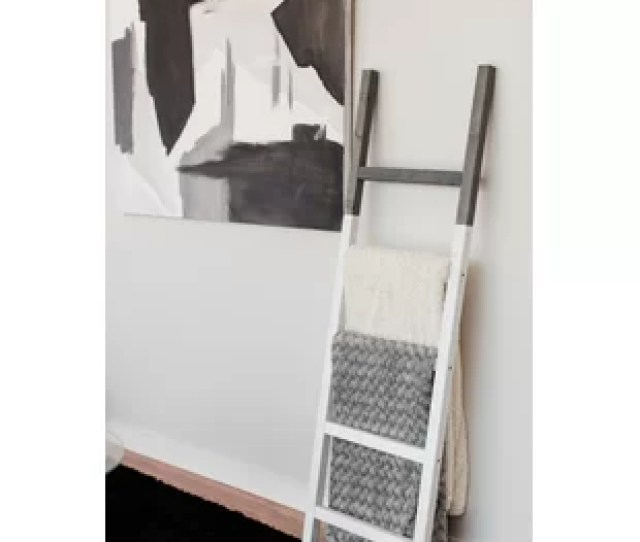 Two Tone Rustic  Ft Blanket Ladder