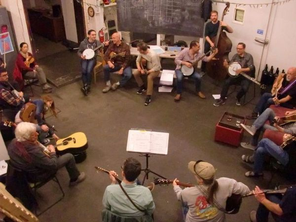 southside-bluegrass-jam-night-machine-house-brewery-seattle-beer