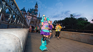 Runners Raced to Infinity and Beyond at the 2017 Disneyland Half Marathon Weekend