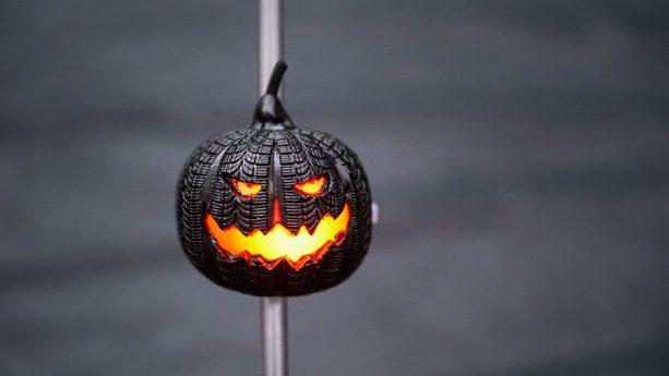 2018 Halloween Tire Pumpkin Straw at Disney Parks