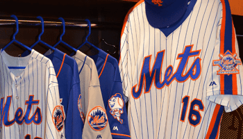 save off 8be03 99e79 Matt Harvey and other Mets wear 1986 throwback jerseys - The ...