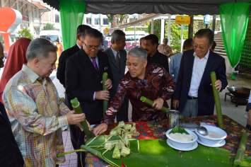 celebrity-chef-wan-kuala-lumpur-mayor-hari-raya-eid-mubarak-festival-2016-angela-carson-expat-blog-3
