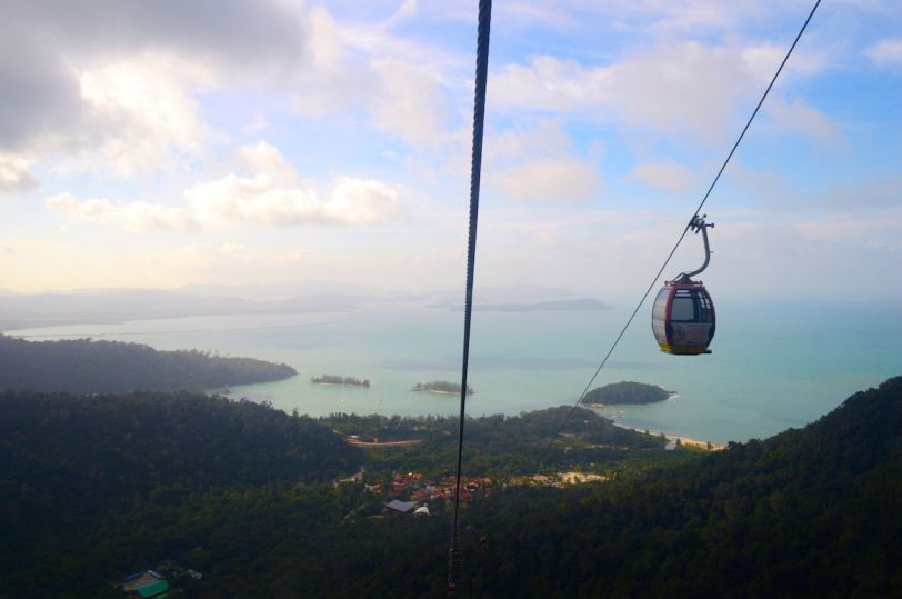 langkawi-skybridge-glass-bottom-cablecar-what-to-do-best-excursion-angela-carson-luxurybucketlist-1