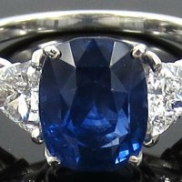 A Spectacular 3.57ct Cornflower Blue Sapphire and 0.62ct Diamond Platinum Ring
