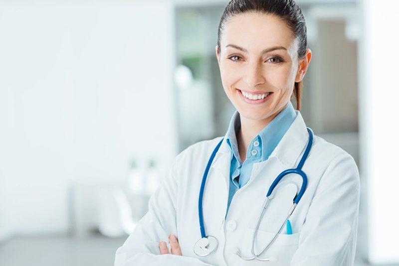 Female Smiling Dr 800 px 72 ppi - Healthcare Independent Provider