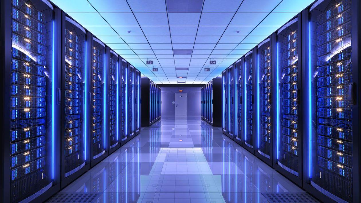 Data Center Color 1300px - Business Cloud Computing