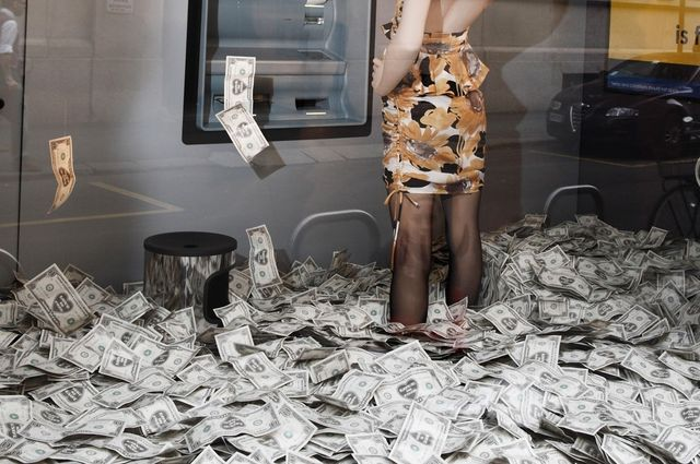How to withdraw up to $50,000 in cash from an ATM by using