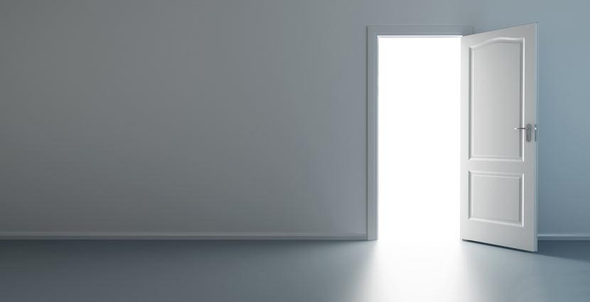 como reforzar una puerta existente